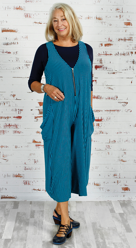 Be adventurous when dressing your Rectangle Body shape in Diane Kennedy Screen Playsuit